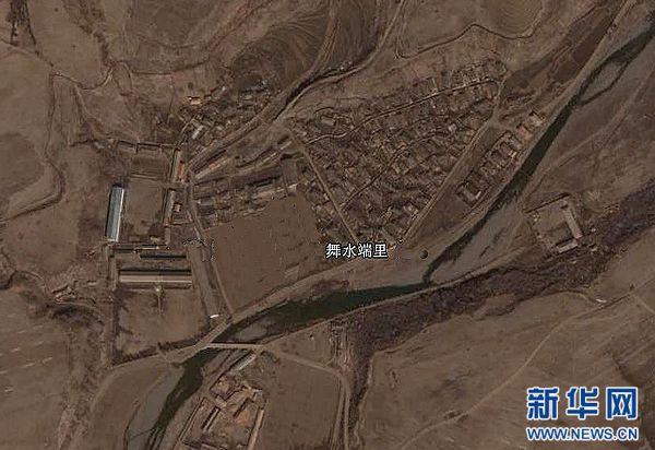 5月18日援引官方人士的话说,朝鲜当天发射了三枚短程导弹。朝鲜方面尚无相关报道。这张美国谷歌公司提供的卫星图片显示位于朝鲜舞水端里的火箭发射基地。 新华社发