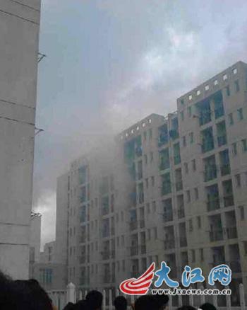 江西科技师范大学一女生寝室发生火灾 暂无人员伤亡