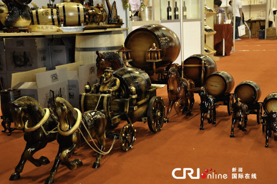 博览会上葡萄酒橡木桶精品展示