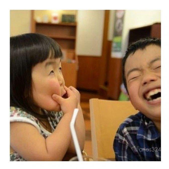 日本四岁女孩表情女帝大人 分享 近日在instagram上爆红的齐刘海女孩图片