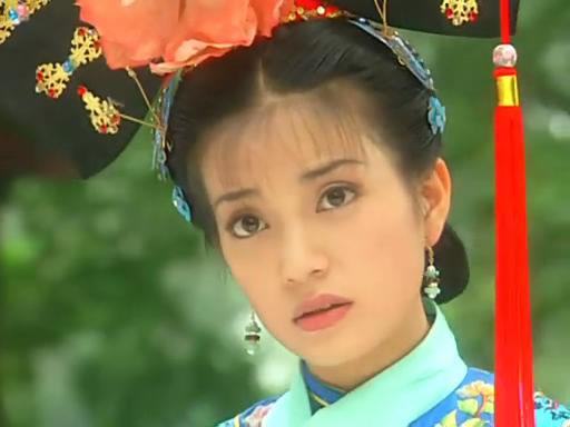 赵薇眼睛很有灵气,谁还记得红遍大江南北的还珠格格,谁还记得这个古灵