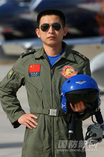 郭福勇 在莫斯科上空飞舞的中国空军飞行员高清图片