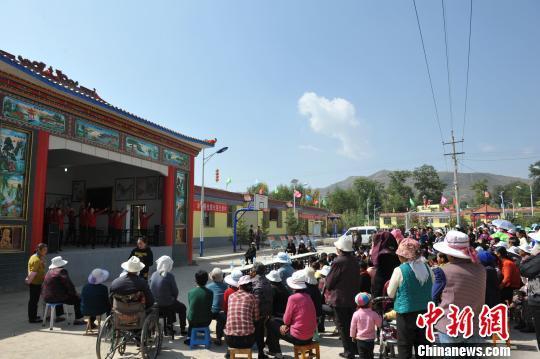 青海 党政军企帮扶惠及全省300个村图片