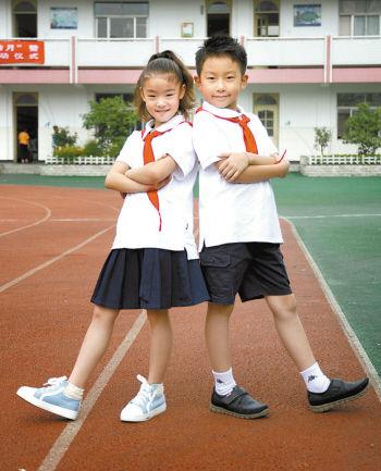 晒晒中小学校的小学算式校服迷特色图片