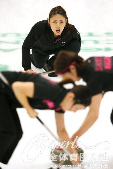 组图:市川美代领衔众美女运动员战日本冰壶锦标赛