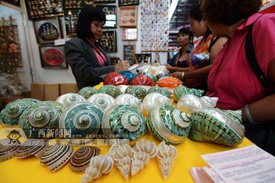 贝壳手工艺品体现菲律宾浓郁深厚的大海文化图片