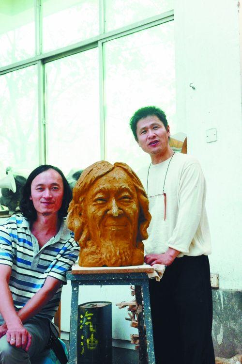《胡永江肖像雕塑展》在郑州市环境雕塑建设研究所