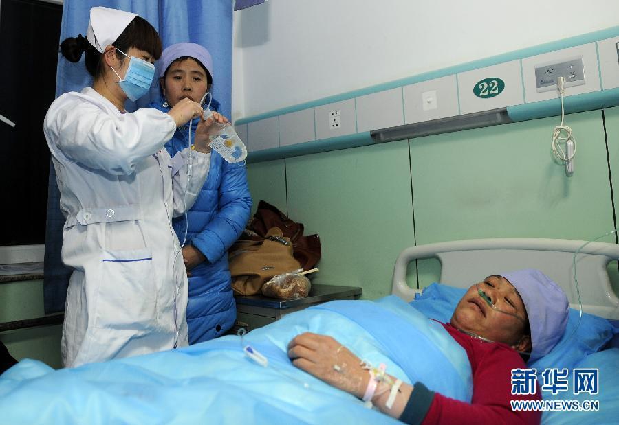 宁夏西吉踩踏事故10名伤员正接受救治(图)