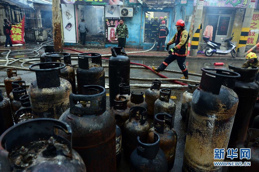 济南发生一起煤气罐爆燃事故