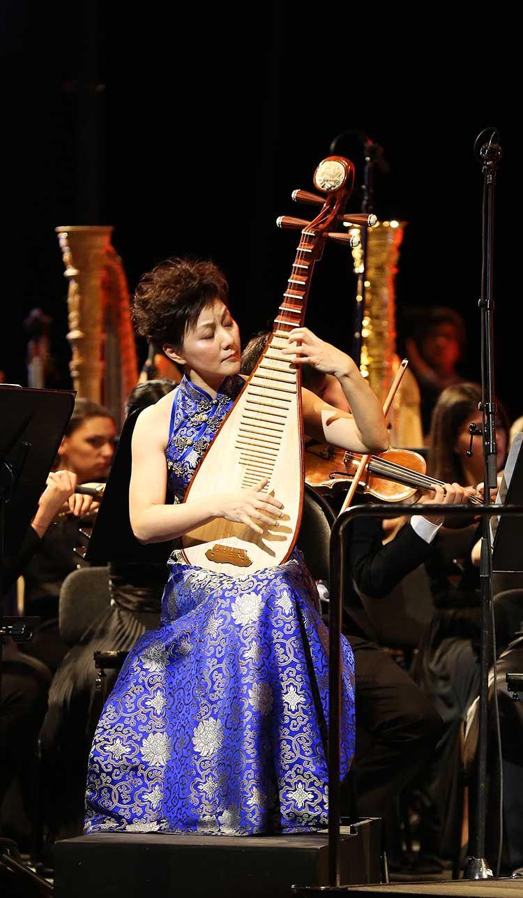 《拉赫玛尼诺夫第一钢琴协奏曲》第一乐章,《梁祝》小提琴协奏曲在内