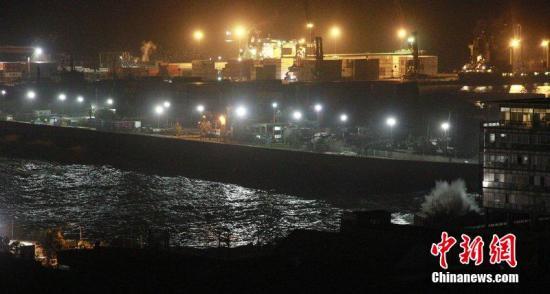 北京时间4月2日智利沿海发生强震,引发智利国内小型山体滑坡,目前尚未出现人员伤亡或者房屋严重受损的报告。