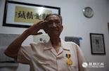 当八路军在华北战场抵御日军时,在祖国的另一端滇缅边境,中国远征军也开始入缅作战。我们有幸寻找到了张第富老人,他就是当年远征军中的一名汽车兵。今年93岁高龄的张第富毕业于黄埔军校16期,是第一批入缅作战的中国军人。