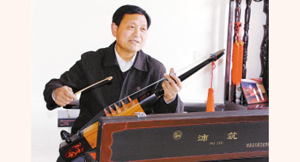历时十余年 郝敬春复原古乐器