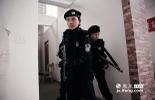"""持枪,登车,格斗控制术,解救人质,这些只有在动作片里看到的场面对于南昌市公安局特警支队七大队女子中队的""""女汉子""""们来说,都是每天训练的家常便饭。"""