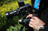 摄影师和游客最大的不同,就是不会按照旅游线路来游览,所以拍了无数次的地方,他依然会坚持再用不同的角度拍摄,仔细测光对焦,认真对待每一次的快门按下。