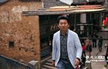 他就是吴向阳,一个土生土长的婺源本地人,不仅改变了篁岭原有的面貌,还让更多的人爱上了这个地方。而这个婺源人的儿子,也被人称为婺源乡村旅游的先行者。
