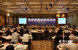 """在香港举行的""""江西省大型国有企业集团层面引进战略投资者对接洽谈会""""共推出45大项目,涉及资产总额约为2025亿元,总投资额481.94亿元,包括资源、新能源、新材料、金融、旅游、现代农业、服务等领域。受到了澳大利亚、法国、日本等国家,香港、台湾地区的近40家企业的高度关注,参与我省国有企业改制重组,共谋发展。"""
