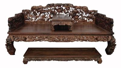 名佳红木的精雕荷花罗汉床
