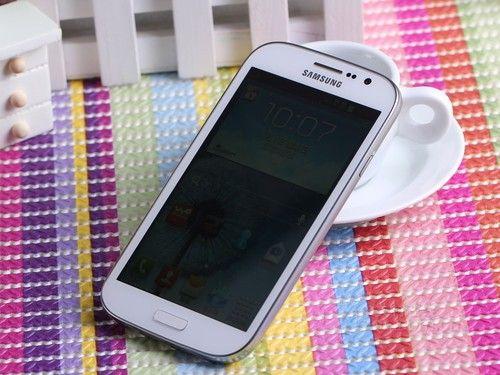 三星i9082在中端手机消费还是比较有市场