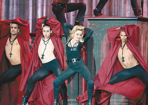 麦当娜/麦当娜惹各界不满疑门票滞销取消澳洲演唱会...
