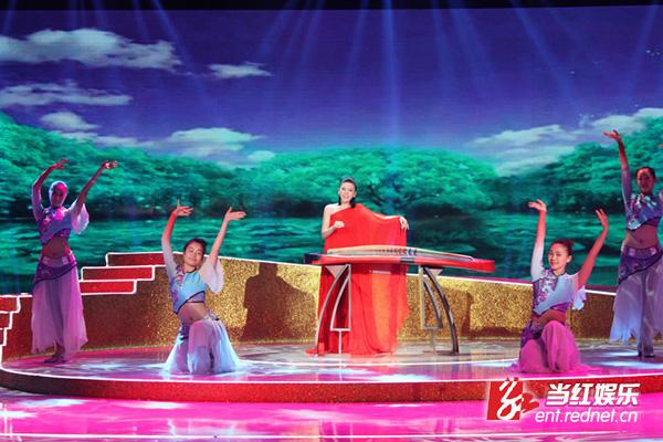 古筝女神张晓棠演绎怀旧金曲 献唱《回声嘹亮