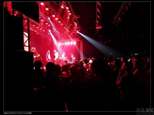 民谣舞台灯光设计