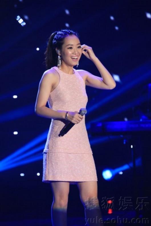 金志文/5月20日,歌手云朵在北京举行新专辑《倔强》发布会。