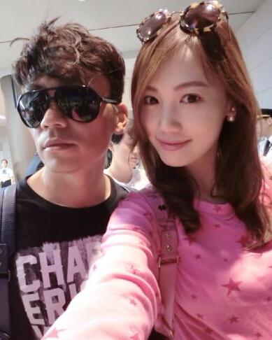 娇妻被很很干_王宝强酷帅变型男一家游韩国 娇妻近照似刘涛