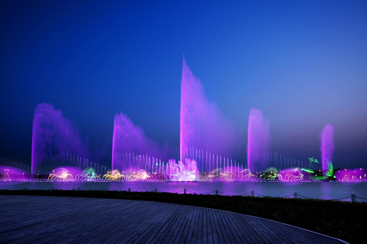 亚洲団地妻_亚洲最大的音乐喷泉10月1日-6日晚上7:30与您相约,为您营造超级视觉