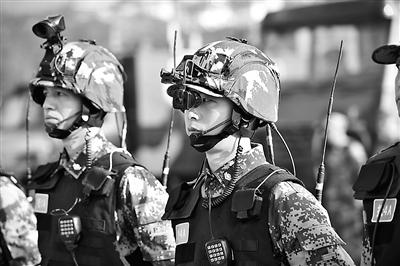 解放军模拟作战系统_解放军装备和平卫士单兵系统 连接各作战单位(图)_军事频道_凤凰网