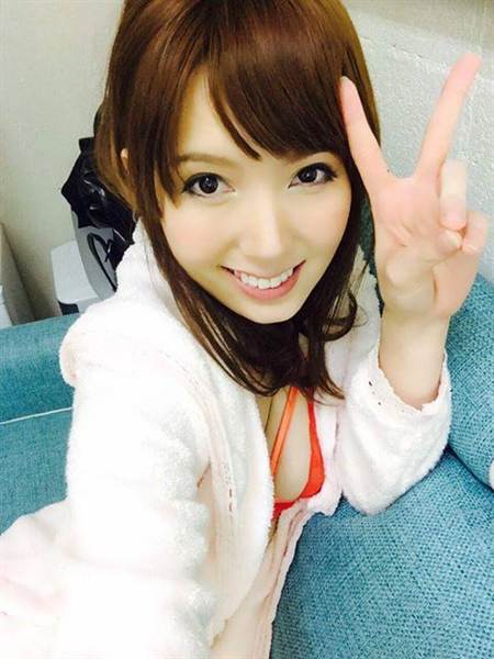 波多野结衣黑丝足_资料图:日本艳星波多野结衣