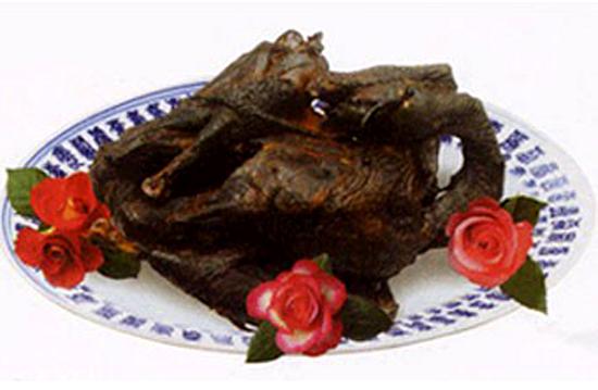 聊城美食:聊城铁公鸡魏氏熏鸡