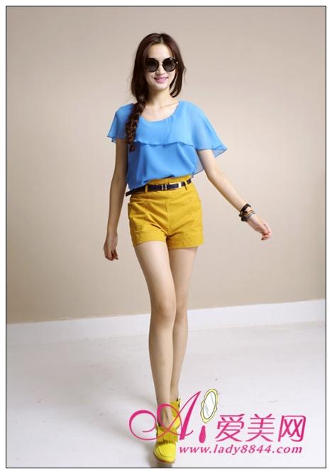 最爱上的成人网站_活力女孩最爱 荧光色短裤点亮夏日