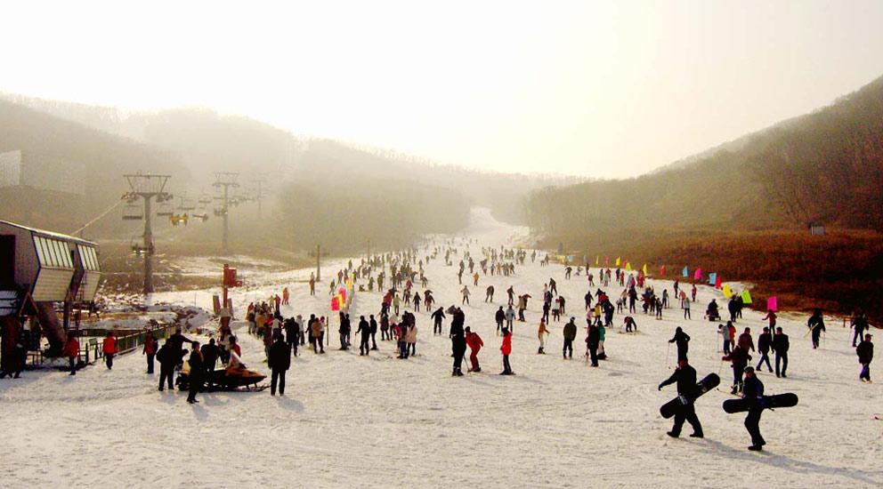 莲花山滑雪场门票_太白山国际旅游度假区